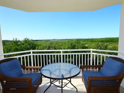 Photo for Dog-friendly Sunrise Suites condo w/ shared pool, hot tub & free parking