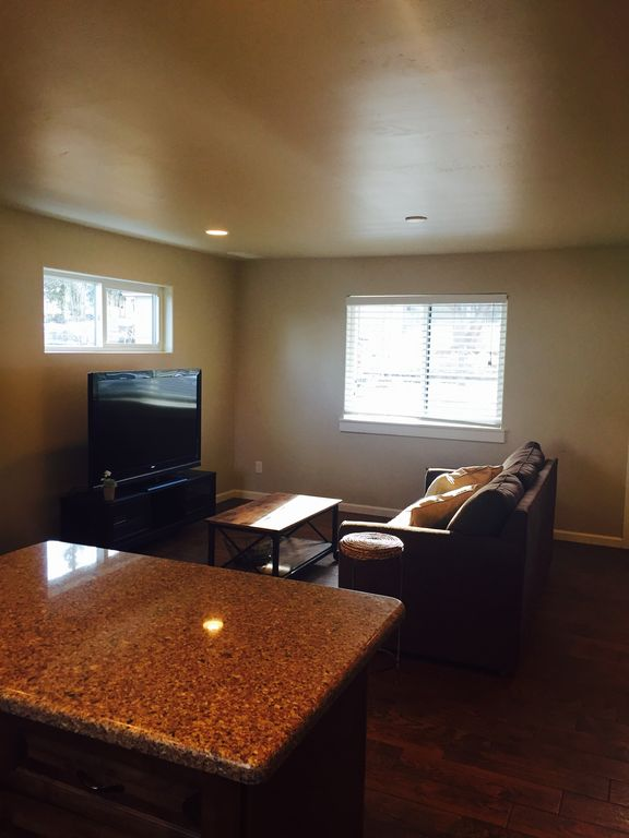 Brand new DOWNTOWN, close to everything with wifi
