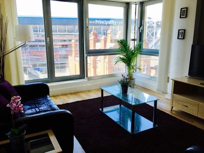 Photo for 4 Person Super-Central Spacious & Modern Luxury Apartment