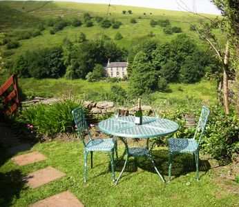 Photo for Lovely Farm Cottage with stunning views