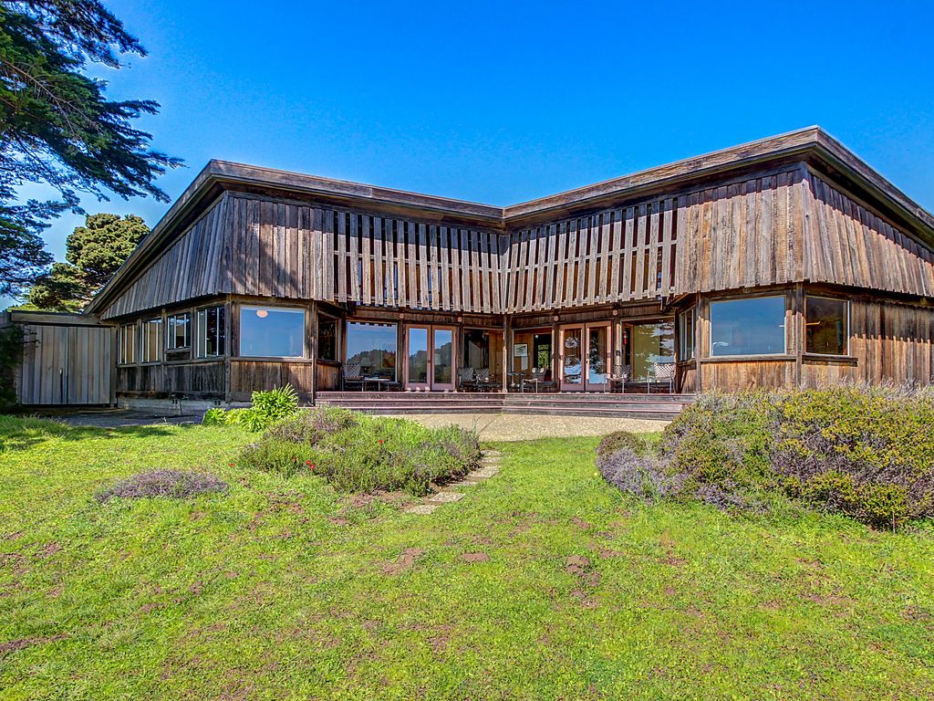 Maison oceanside w architecture classique sea ranch for Architecture maison classique