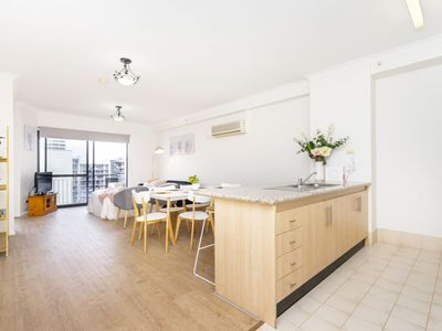 Photo for 60 Big Sparkling new fit out - Perth East End sleeps 6