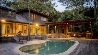 Photo for A Perfect Stay – Apalie Retreat - Luxury Rainforest Retreat
