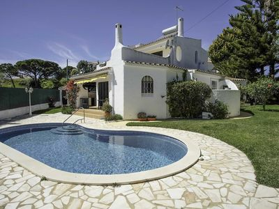 Photo for Villa 4 bedrooms 10 minutes walk to the beach