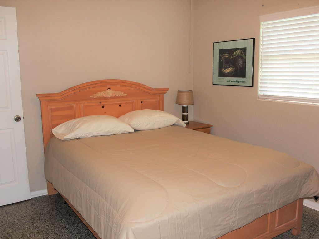 2 Bedroom 1 Bathroom Near Lake With Boat Slip And Trailer Parking Oviedo Florida Rentbyowner