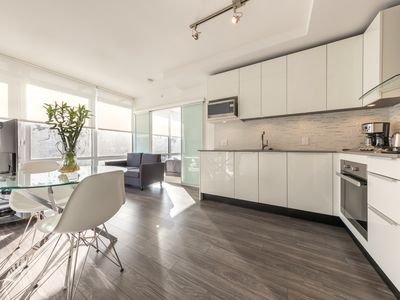 Photo for D78 - 2 bedroom in the heart of Downtown Vancouver