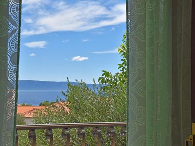 Photo for One bedroom apartment with balcony and sea view Tučepi, Makarska (A-6775-b)