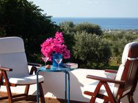 We enjoyed the location of this villa and found it handy for visiting local cities and amazing coast