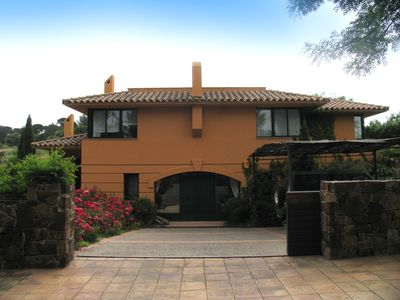 Photo for Comfortable villa located inside exclusive Golf Resort Torremirona