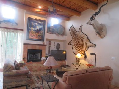 Deluxe Tucson 2 Bedroom 2 Bath vacation Corporate rental  with- Discounted Golf!