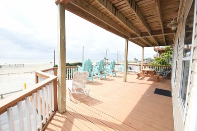 Lower front deck