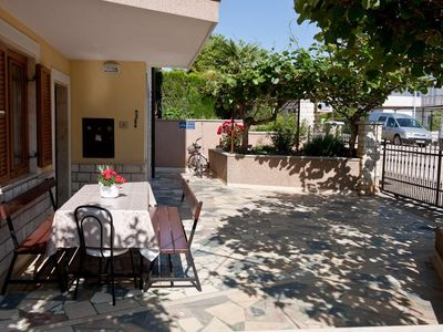 Photo for Two bedroom apartment with terrace Novigrad