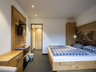 Photo for Double room with shower, WC, No. 5 with south-facing balcony - Gästehaus Boersch - Family Jochum