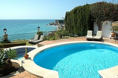 Photo for 4 bedroom Villa, sleeps 8 in Nerja with Pool, Air Con and WiFi