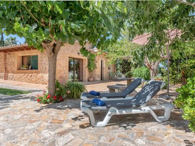 Photo for Charming Country House with Garden, Terrace & Wi-Fi; Parking Available