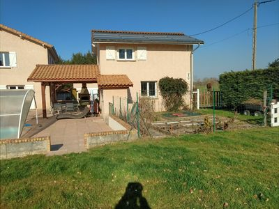 Photo for Detached house with swimming pool 15 minutes from Vienna