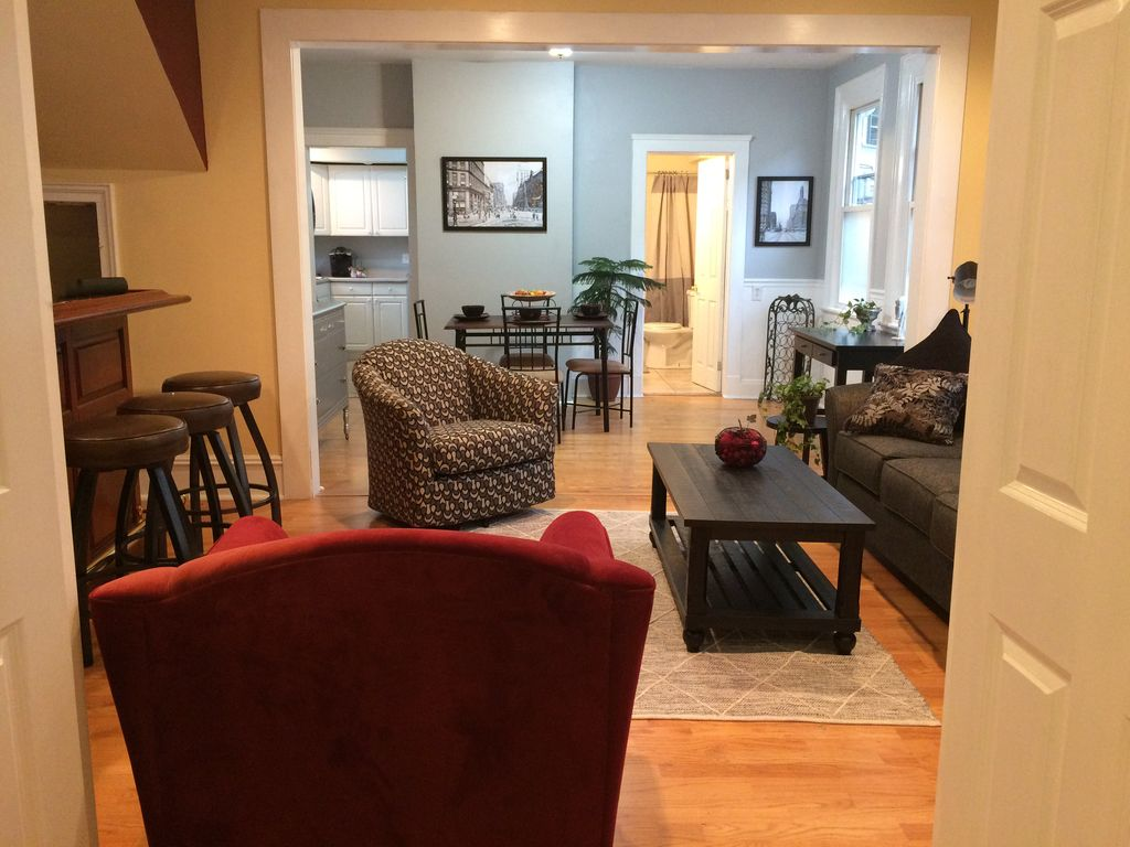 2 br historic charm in cleveland 39 s ohio homeaway ohio for Northeast ohio cabin rentals