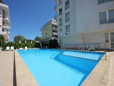 Photo for Azzuro - Family 2bedroom apartment with pool view