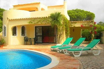 Photo for 3 bedroom Villa, sleeps 6 in Vale do Garrao with Pool, Air Con and WiFi