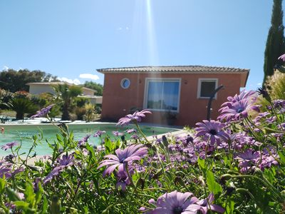 Photo for Villa 48m2 with swimming pool 10 minutes from the beach