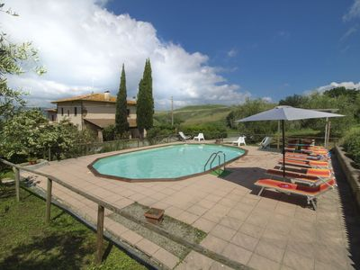 Photo for Wonderful private villa for 16 guests with WIFI, private pool, TV, balcony and parking