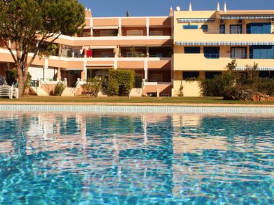 Photo for 2 bedroom apartment Vilamoura 5 minutes from the Marina