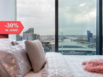 Photo for A Cozy CBD Suite with a Gorgeous View of the Yarra