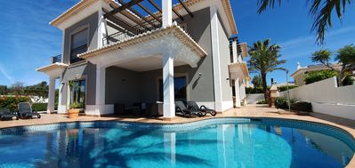Photo for Luxorious 3 bedroom villa with ensuite bathrooms overlooking Porto de Mós beach