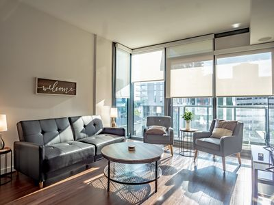 Photo for Beautiful Apartment in Atlanta with City Views | Pool Access + Fitness Centre