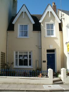 Photo for Lovely Victorian Cottage in Tenby - just one street from the beach
