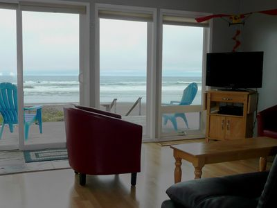 Photo for Dory Cove Oceanfront in Roads End - Spectacular Views, Rain or Shine! - Hot Tub