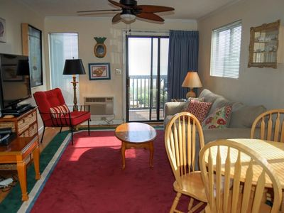 Spacious direct oceanfront living with easy beach access!