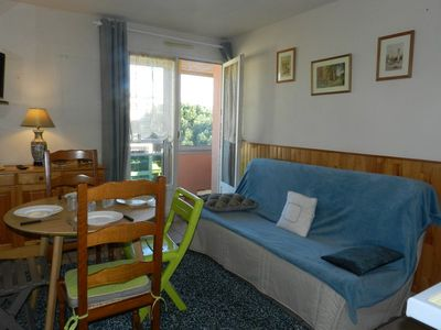 Photo for La Favière Joli 2 rooms well equipped for 4 people. Car park. Loggia 700 m beach