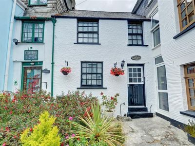 Photo for Vacation home Price Cottage in Looe - 3 persons, 2 bedrooms