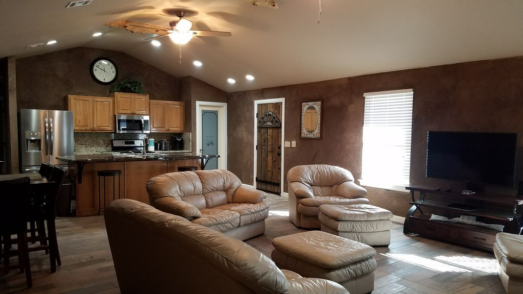 CATOOSA/BRAND NEW-1 MILE FROM HARD ROCK-SLEEPS 8!