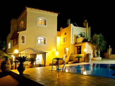 Photo for Beautiful villa with private swimming pool