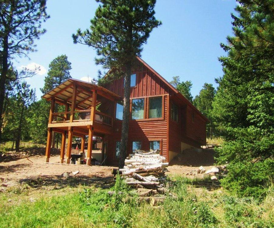 Modern cabin with hot tub access to swimming pool paved Cottages to rent with swimming pools