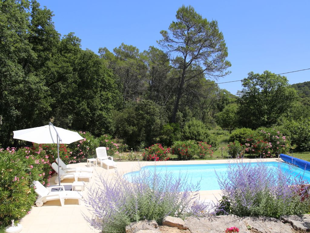 Villa rental provence french riviera lorgues private for Piscine in french