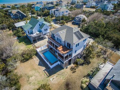Photo for Elevator, Pool, Hot Tub and Very close to beach!