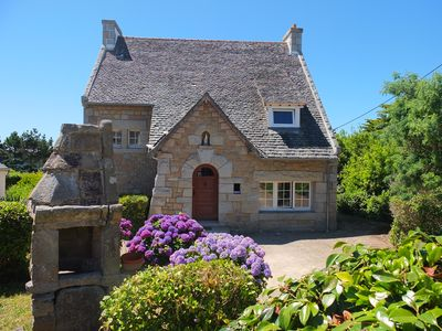 Photo for Very nice Breton house, granite 3 minutes from the beach