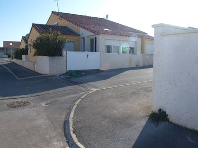 Photo for Beautiful villa 800m from the sea for 10 people, near Narbonne