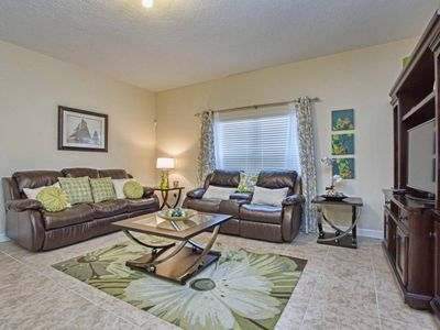 Photo for GATED RESORT COMMUNITY, CLOSE TO CLUBHOUSE, PRIVATE SPLASH POOL, FREE WIFI!!
