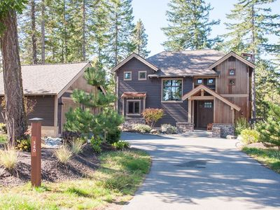 Photo for Hot Tub, BBQ, Fire Pit with Full Resort Access. Walking Distance to the Winery!