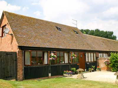 Photo for 2 bedroom Barn in Stratford-upon-Avon - CC033