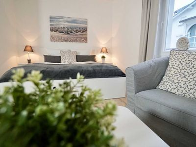 "Photo for Ferienappartements Vilm - Apartment house ""Johanneshorst"""