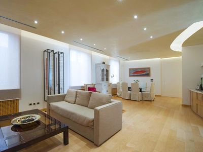 Photo for Luxurious 180m2 two-bedroom in the heart of the Fashion District