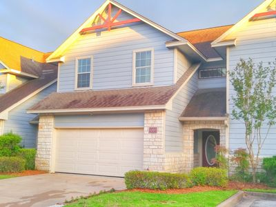 Photo for New Listing! Aggie Owned and Operated Town Home Minutes from Campus