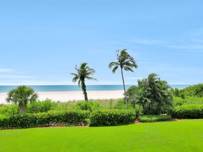 Photo for Cozy beachfront condo w/ heated pool & tennis courts