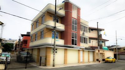 Photo for Garzota Suites Airport * Walk distance to / from Guayaquil Int. Airport *