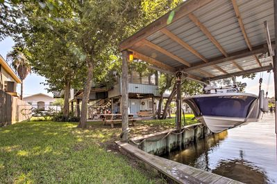Take a trip to the coast and stay at this vacation rental property!